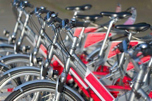 delle biciclette parcheggiate