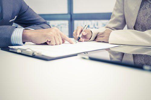 Firma di un contratto immobiliare
