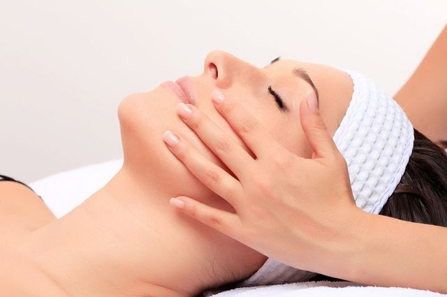 Electrolysis - Kingston - Marie-France Beauty Clinic - Beautician
