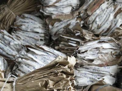 pacchi di carta da riciclare