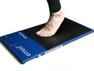 Apparecchio per il rilevamento baropodometriche dell'appoggio del piede in statica e dinamica con solette e pedana