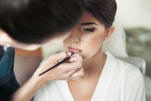 Makeup by sponge in spa