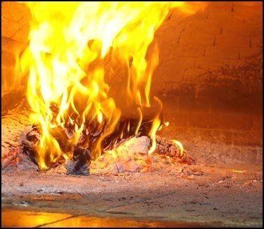 locale con forno a legna