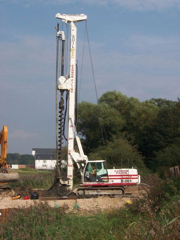 Large piling drill