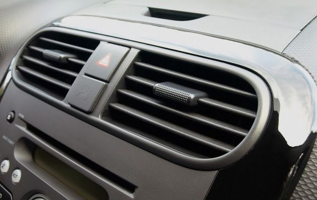 Car air conditioning installation