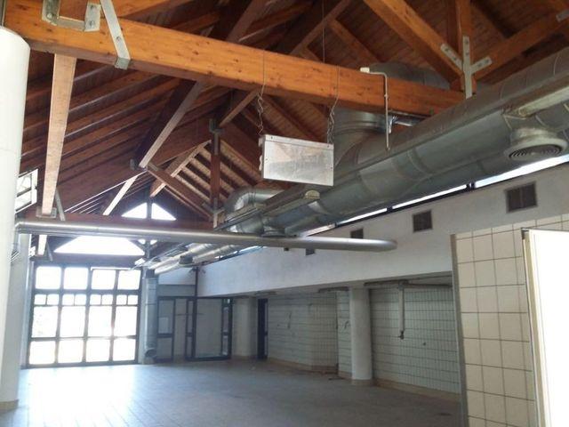 soffitto in legno di un impianto