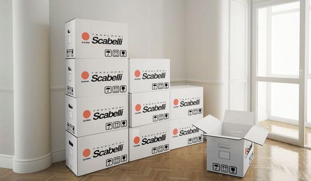 delle scatole per imballaggio