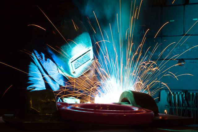Welder with industrial gas supplies in Chillicothe, OH