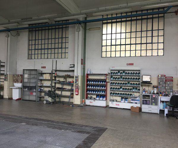 Officina per lucidatura auto di Gulla Carrozzeria Auto Camion E Trattori in Vescovato