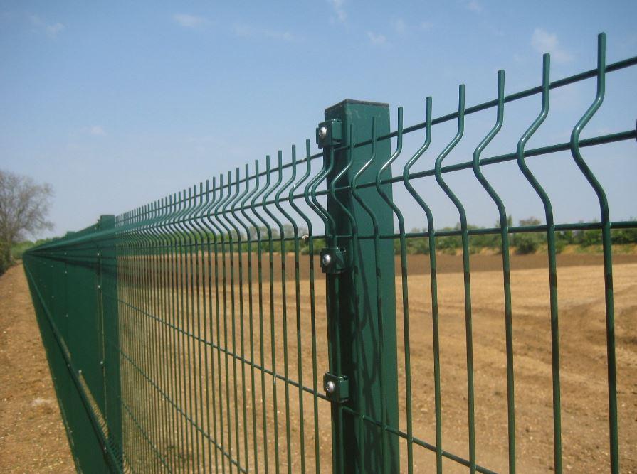 彼得伯勒的绿色安全围栏