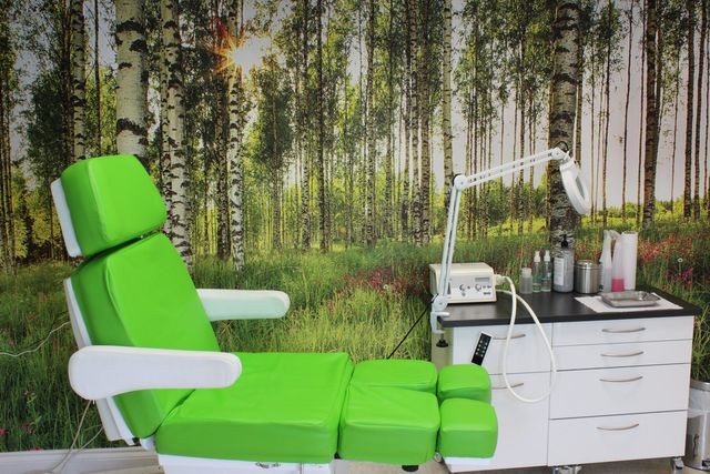 Chiropody clinic treatment chair