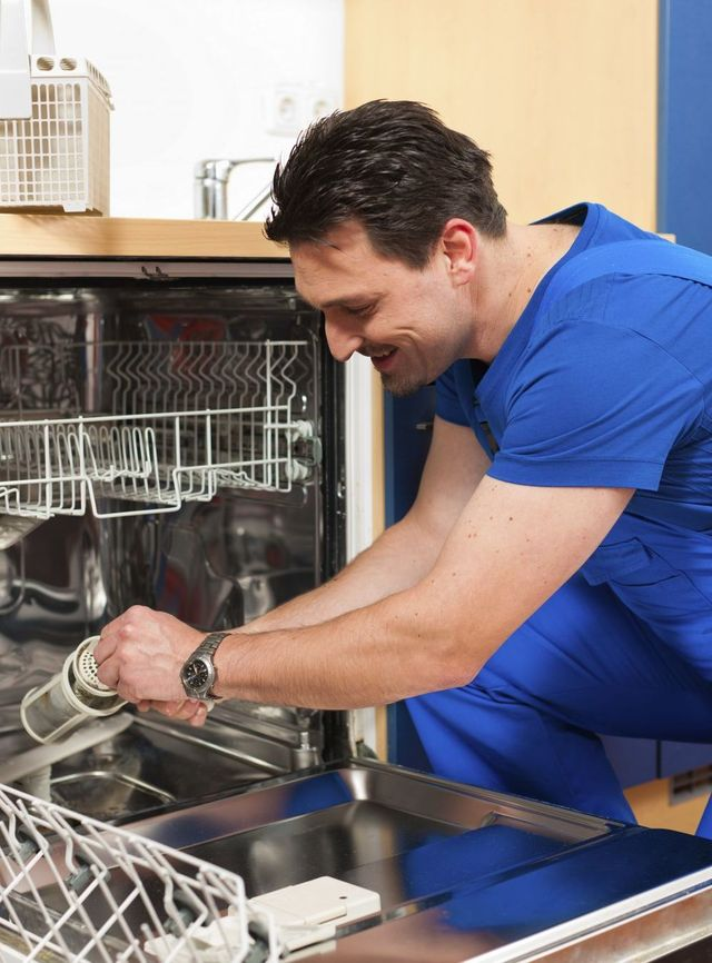 Expert performing an appliance service in Auckland and the North Shore