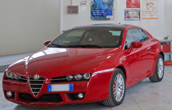 macchina alfa romeo rossa