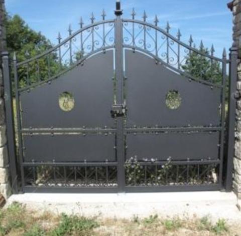 Recinzioni cancelli e ringhiere in ferro roma infissi for Oscuranti per recinzioni
