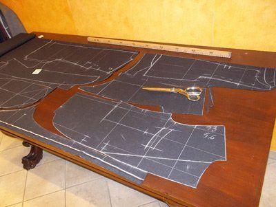 cartamodelli  su un tavolo