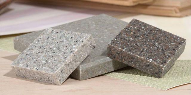 tre piccoli blocchi di marmo di vraio colore
