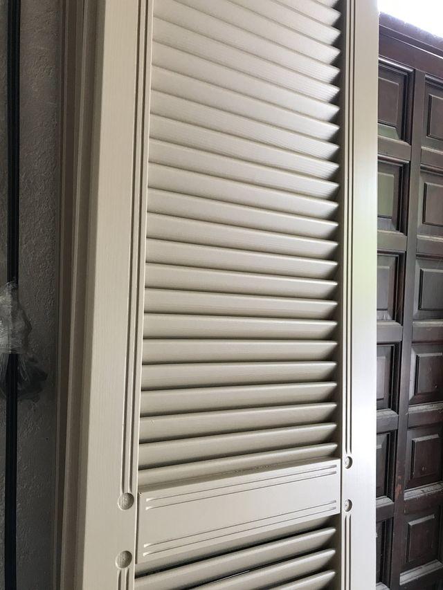 persiana in legno color bianco per abitazioni privata