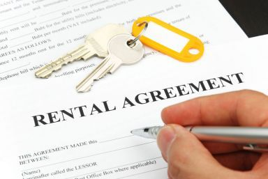 Signing a rental agreement with property maintenance in Auckland