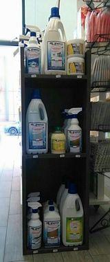 scaffale detersivi biorgeco