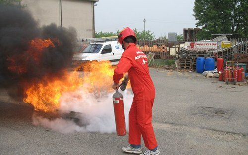 Esperti di manutenzione antincendio