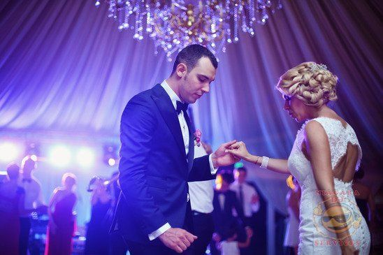 Top Wedding Reception Songs Brides and Grooms Wedding Playlist
