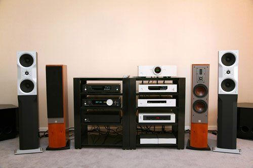 Impianto HIFI con casse e diversi stereo telefonia mobile Pavia