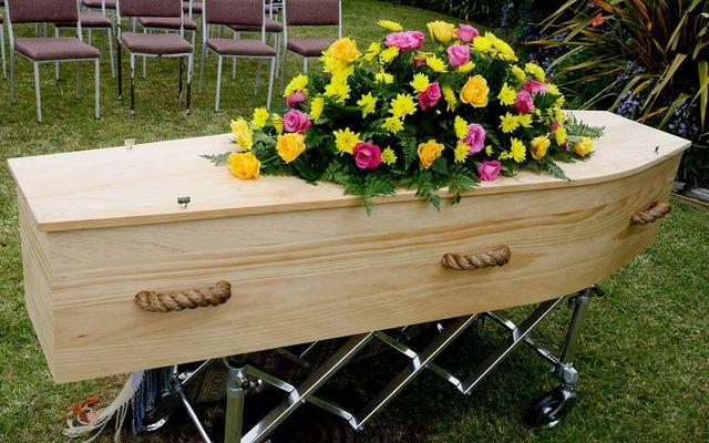 Fiori Jesi.Fornitura Oggetti Funerari Jesi An David I C O F