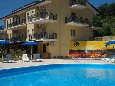 albergo con piscine