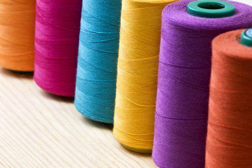 rotoli di cotone colorati