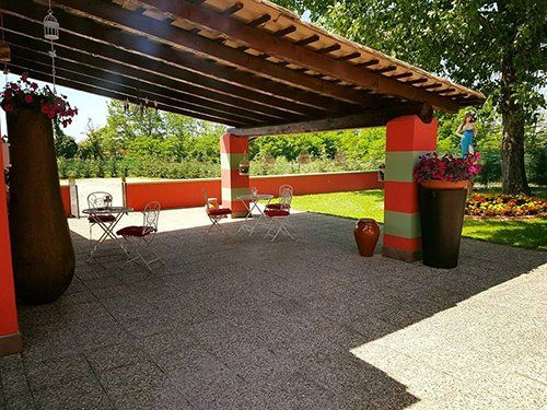 La veranda del ristorante a Ferrera Erbognone