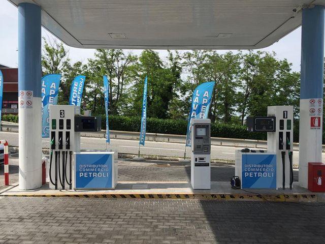 Distributore di carburante a San Marino