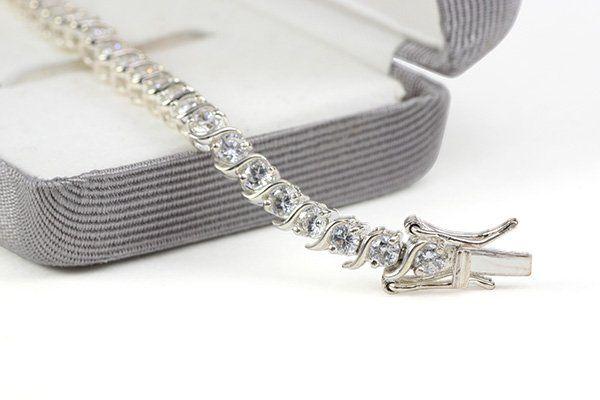 Braccialetto di platino e diamanti