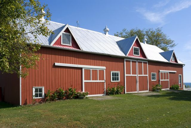 Construction Barn, Pole Barns in Niagara Falls NY