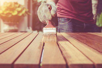 Imbianchino pittura travi in legno