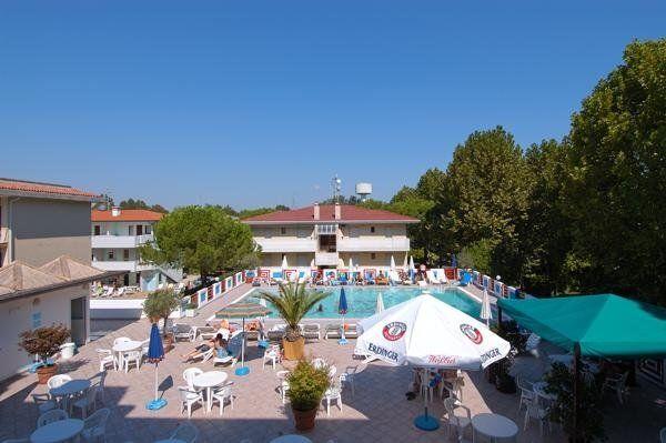 piscina hotel germania