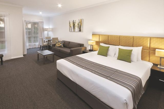 Book Accommodation, Wagga Wagga, NSW