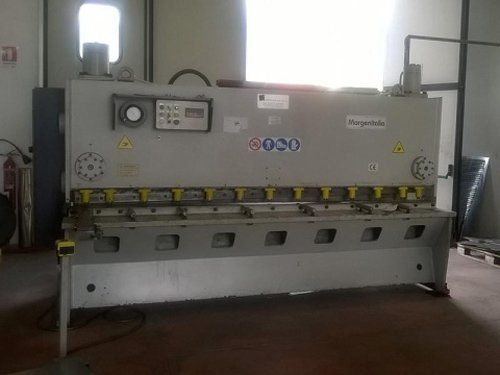 macchinario per lavorazione lamiere