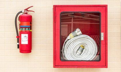 fire extinguisher wall mounted
