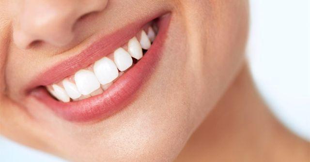 10 Incredible Ways To Naturally Whiten Teeth