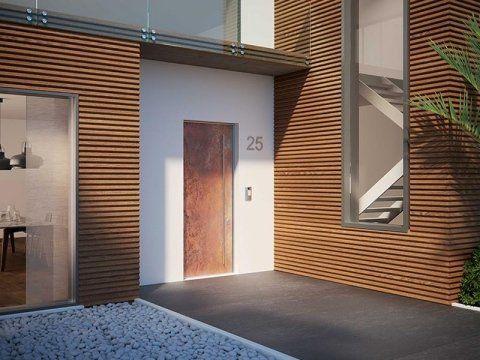 porta d'entrata blindata di una villetta moderna