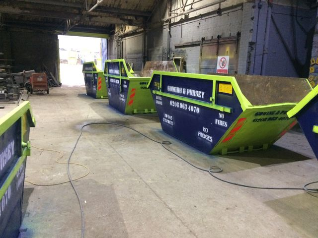 skips and cage lorry hire