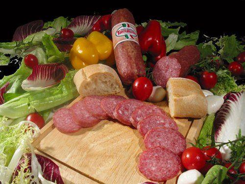 Ciauscolo con il pane e verdure ad Ancona
