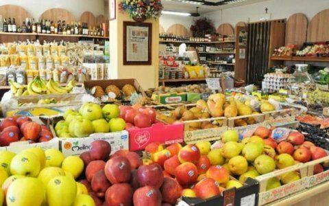 Vendita frutta fresca di stagione