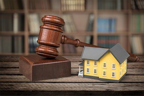 Learning Benefits of Real Estate Lawyers