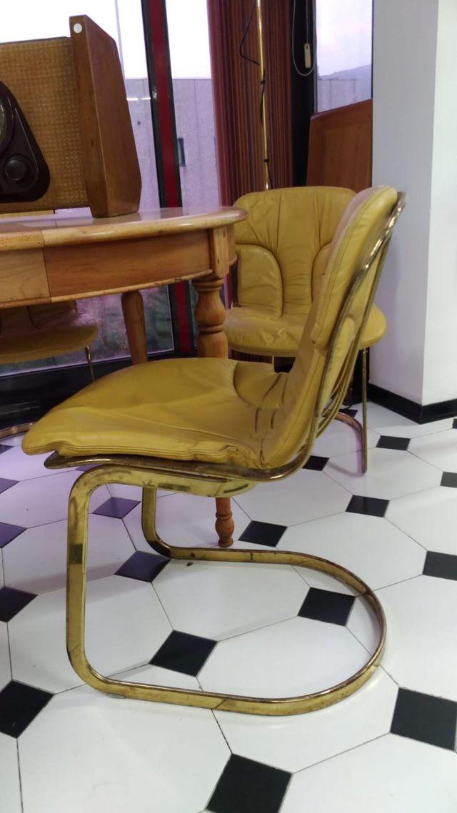 Sedie Di Design Usate.Vendita Di Arredamento Vintage Vaiano Po Le Brocante