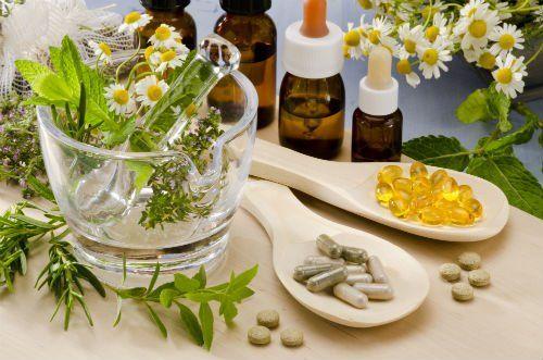 Medicine naturali in vari formati, in esposizione