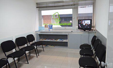 la sala d'attesa dello studio dentistico