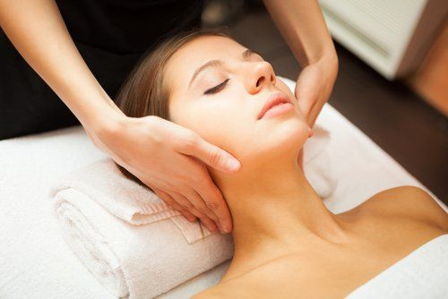 Woman relaxing during a chiropractic treatment