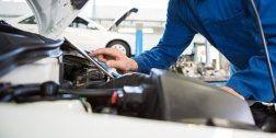 meccanico sistema il settaggio meccanico di un auto