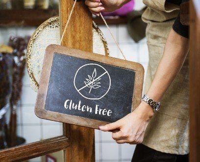 lavagna che indica alimenti per celiaci